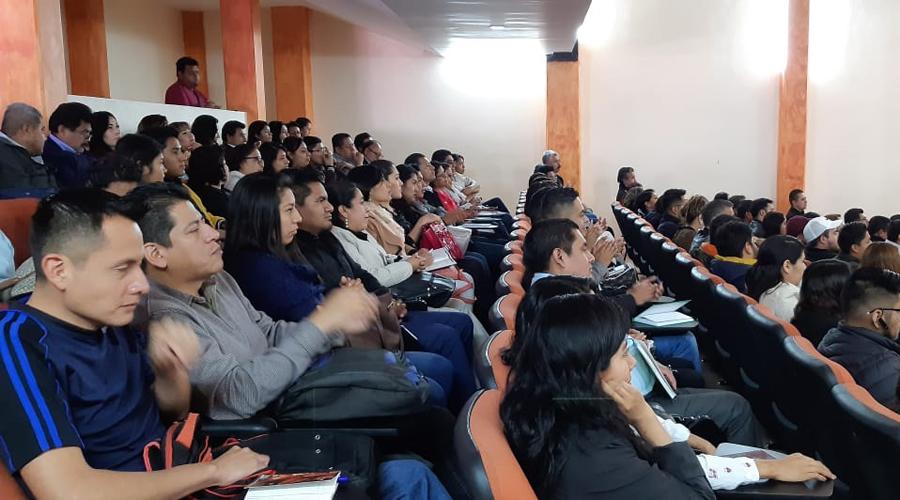 Capacitan a alumnos sobre el sistema acusatorio adversarial   El Imparcial de Oaxaca