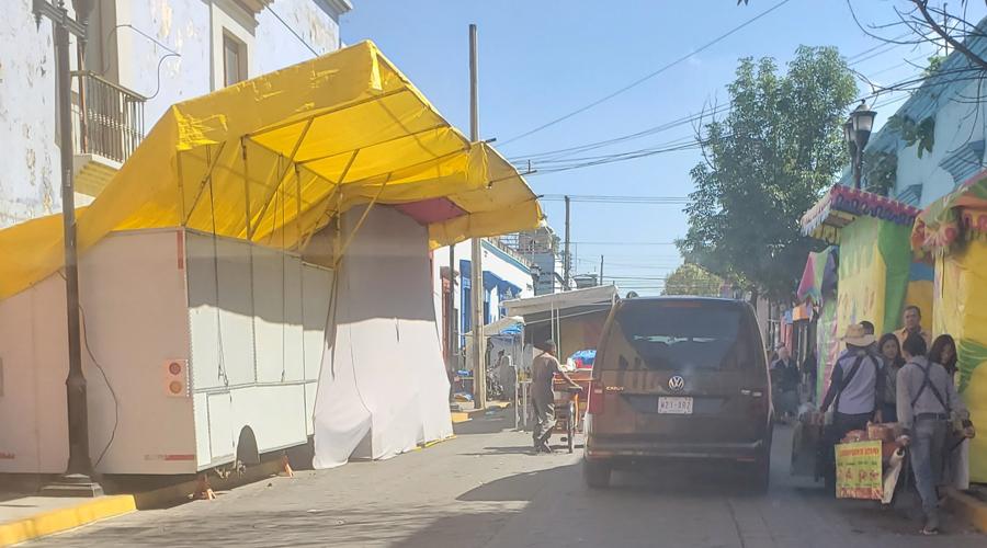 Ambulantes generan caos vial en Independencia
