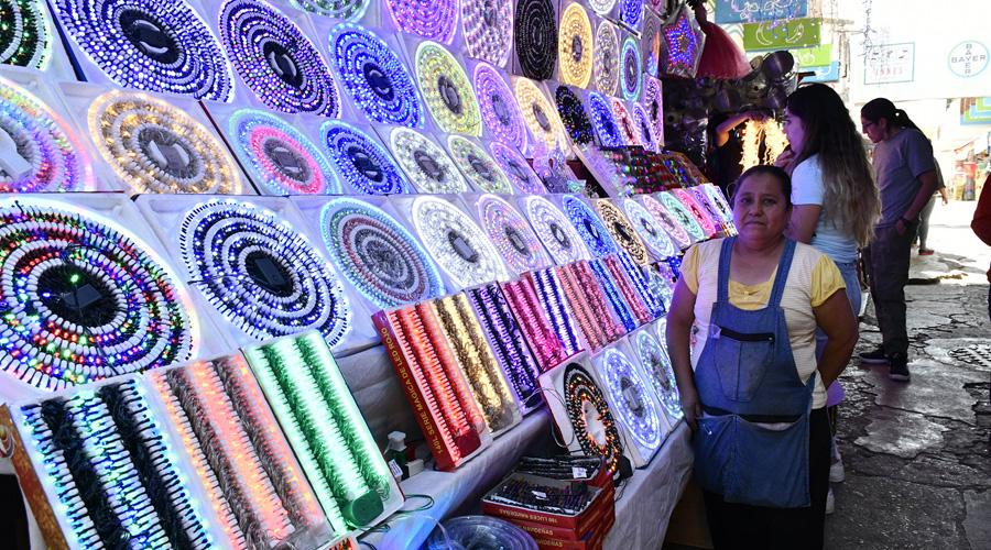 Hasta dos mil pesos, decorar por navidad