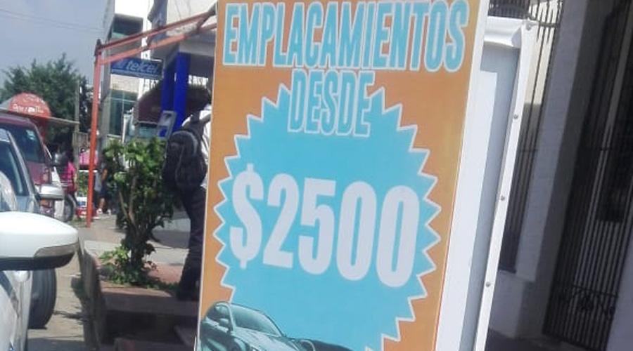 Denuncian expedición de placas y licencias falsas