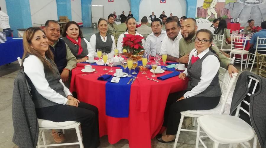 Grupo Azul celebra su desayuno de fin de año