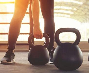 Hacer ejercicio te hace más feliz que tener dinero: estudio