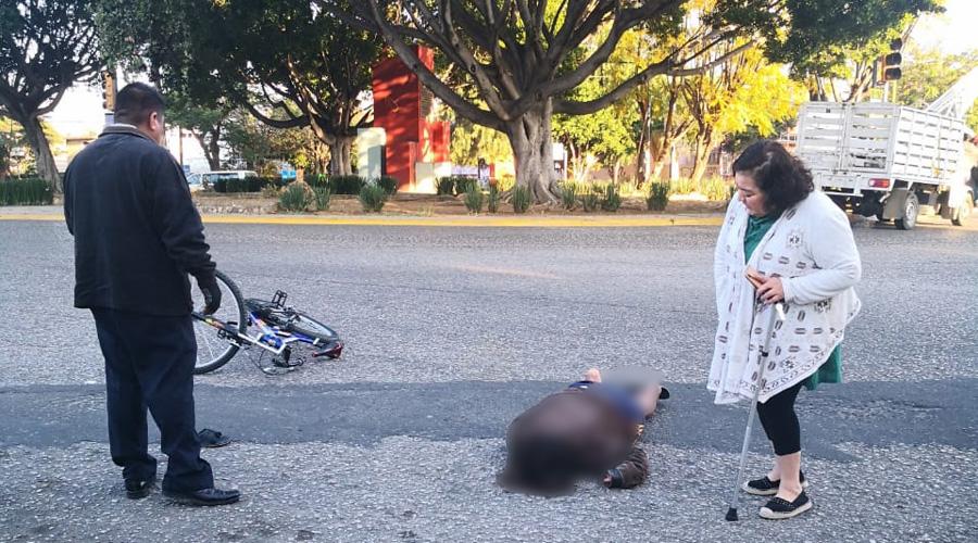 Cafre arrolla a un ciclista