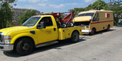 Levantan camión chatarra que obstruía el paso de estudiantes en Salina Cruz