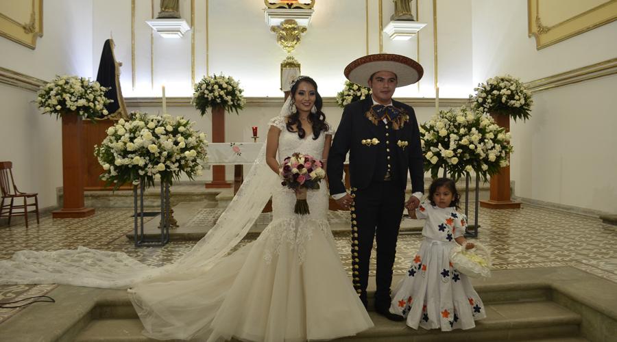 Ángel y Dania se prometen amor eterno