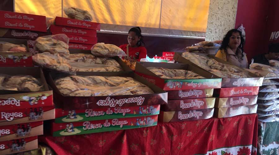 Reportan bajas ventas en las roscas de Reyes en Huajuapan