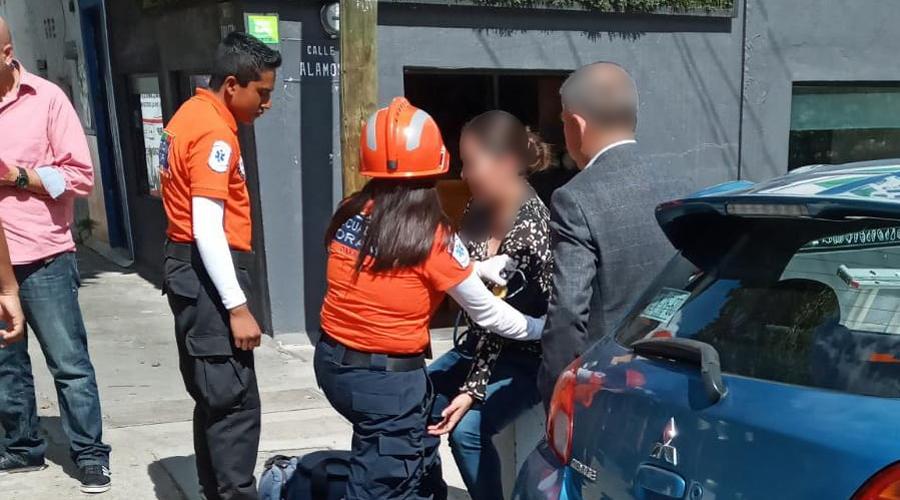 Motociclista se estampa contra de un automóvil en la colonia Reforma