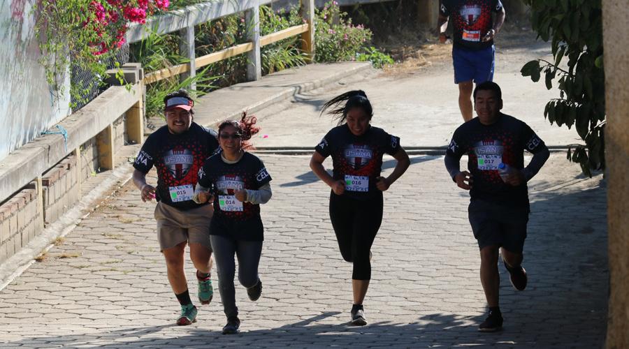 Compitieron en Huayápam en carrera de atletismo