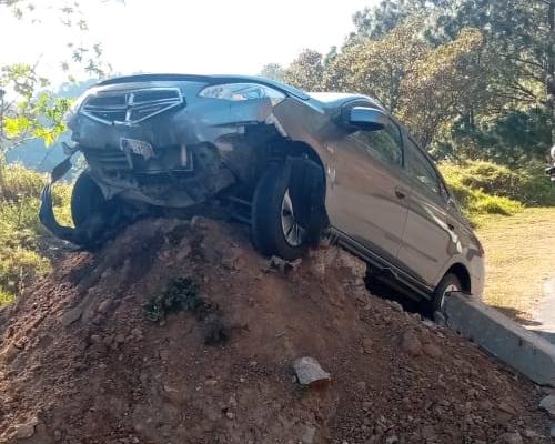 Se accidentan peregrinos en carretera de Juquila