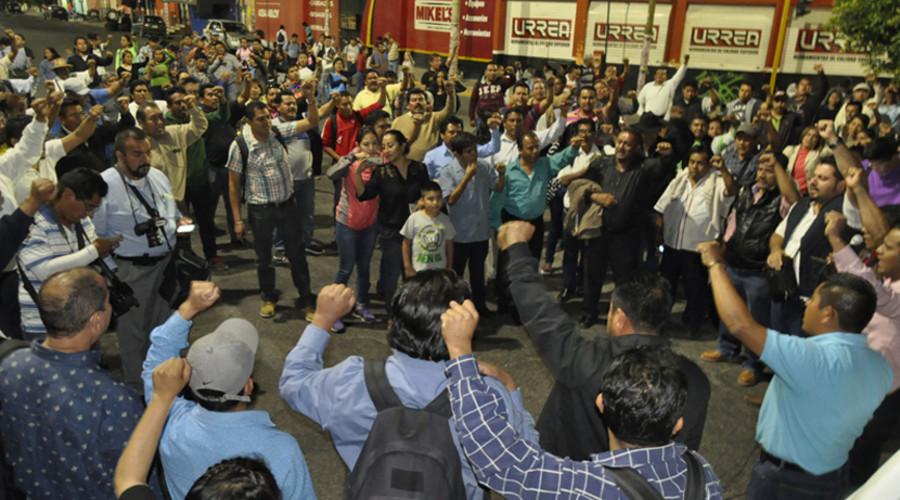 Amenaza S-22 con no permitir Escuelas al Cien   El Imparcial de Oaxaca