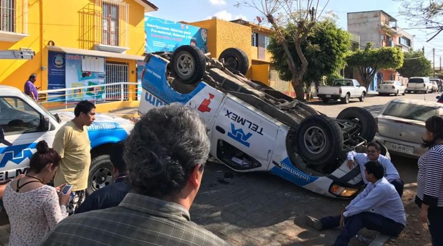 Vuelca empleado de Telmex en la Reforma | El Imparcial de Oaxaca