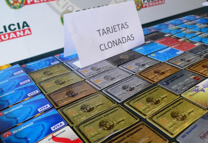 Detienen a pareja por intentar comprar con tarjetas clonadas | El Imparcial de Oaxaca
