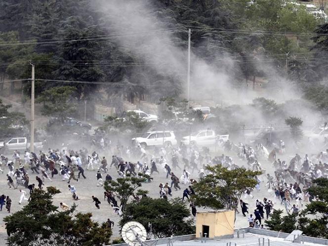 Explosiones cerca del funeral de víctima de protesta de Kabul | El Imparcial de Oaxaca
