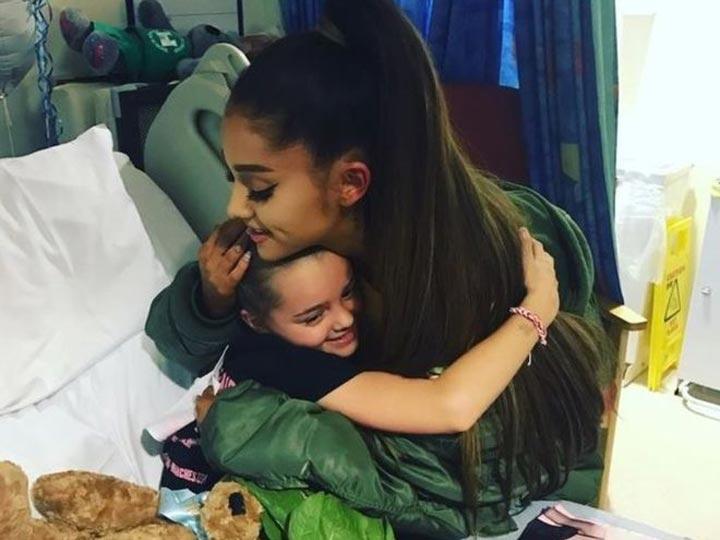 Ariana Grande visita a fans en hospital de Manchester   El Imparcial de Oaxaca
