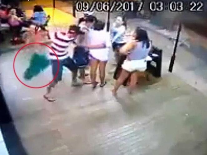 Acuchilla a su exesposa en público y casi lo linchan | El Imparcial de Oaxaca