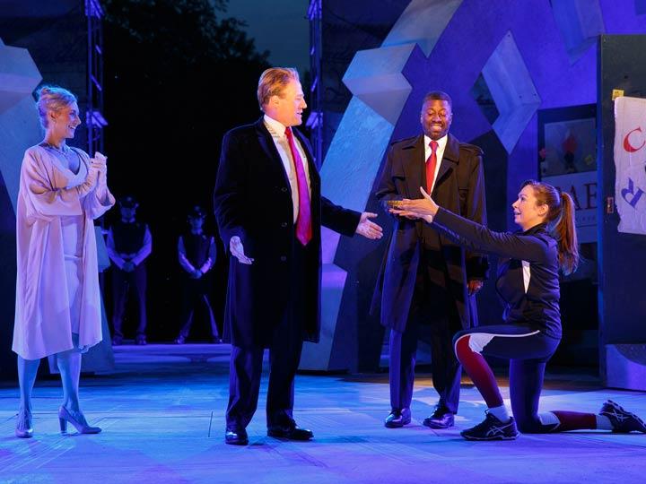 Teatro de Nueva York apoya obra con 'parodia' de Trump | El Imparcial de Oaxaca