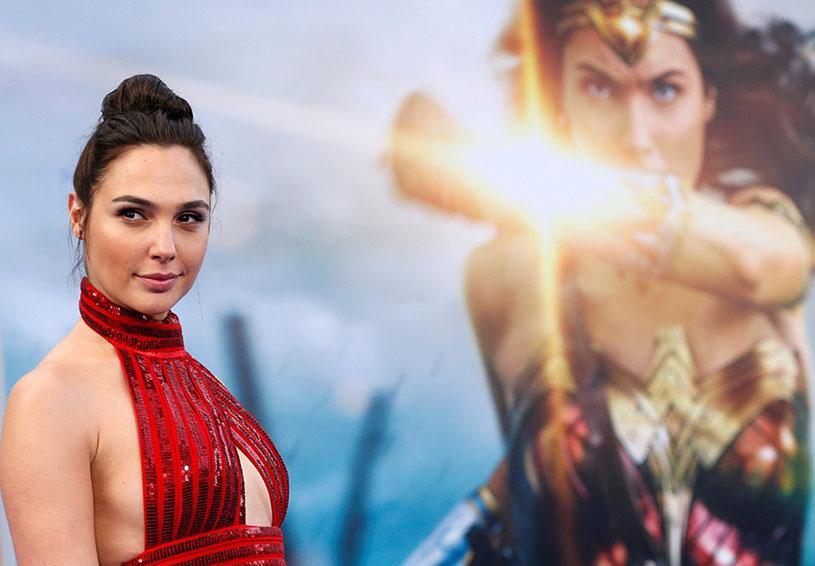No por ser Wonder Woman se recibe un 'maravilloso' sueldo   El Imparcial de Oaxaca