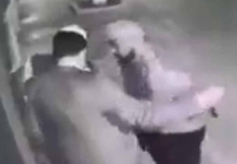 Video: En segundo asaltan a un hombre frente a su casa   El Imparcial de Oaxaca