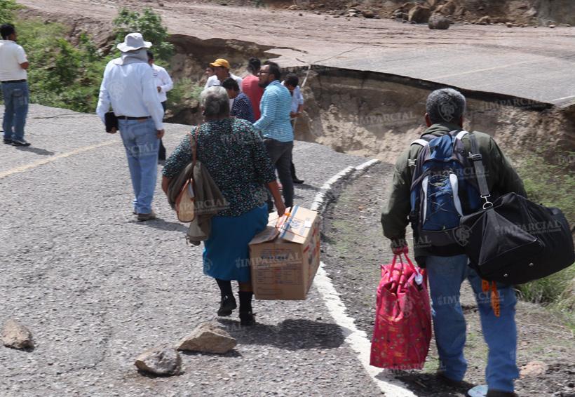 Se hunde carretera en San Carlos Yautepec y San José de Gracia | El Imparcial de Oaxaca
