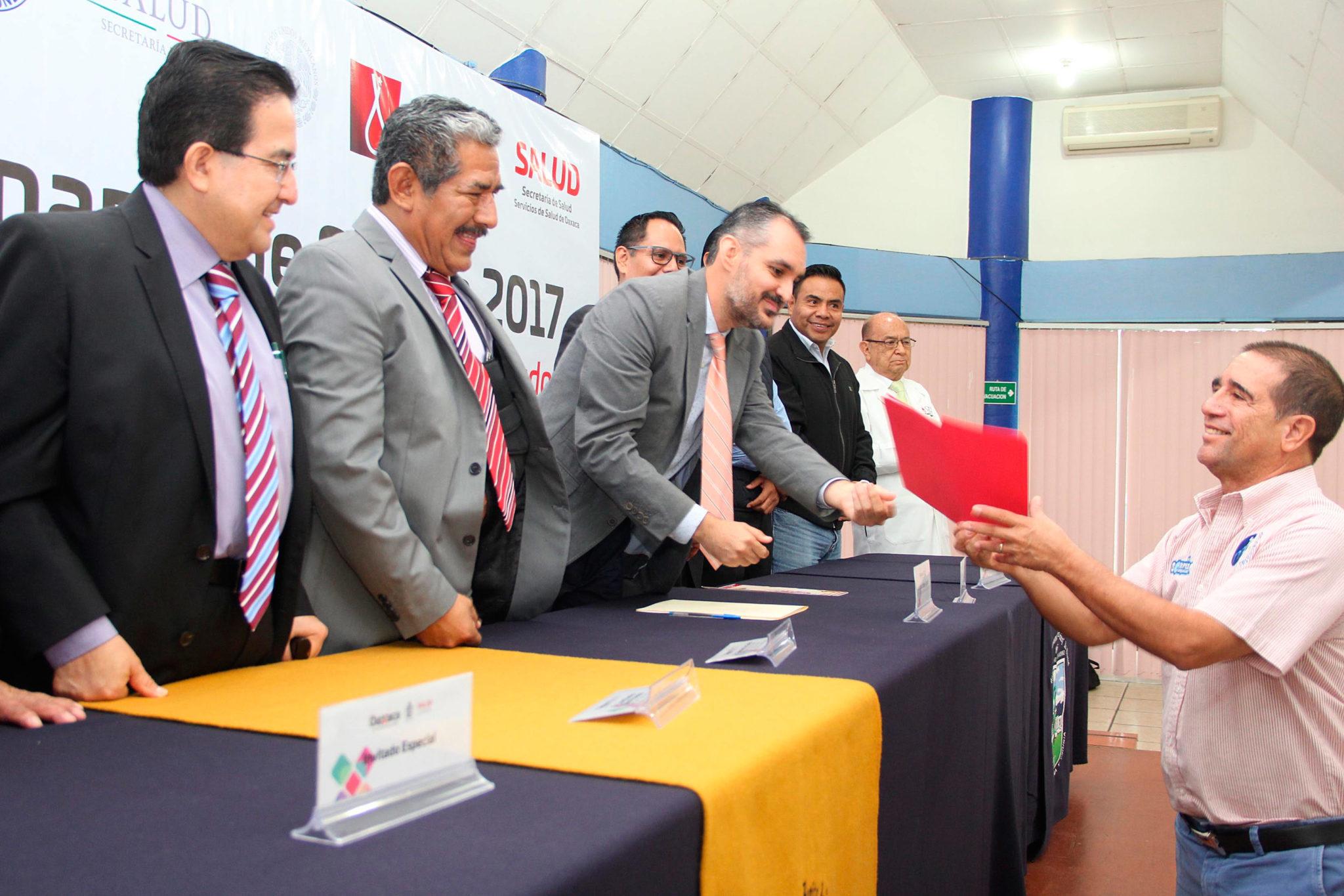 Reconoce CETS labor de Sonrisas Oaxaqueñas   El Imparcial de Oaxaca