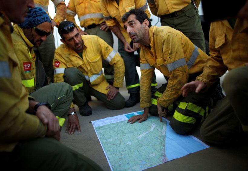 Bomberos trabajan para controlar incendio en España | El Imparcial de Oaxaca