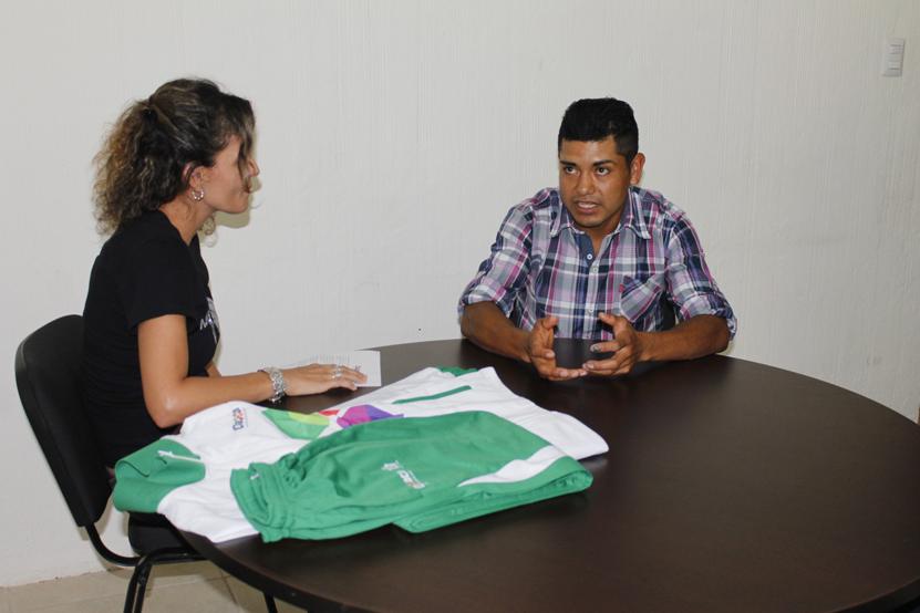 Lázaro quiere triunfar en Europa   El Imparcial de Oaxaca