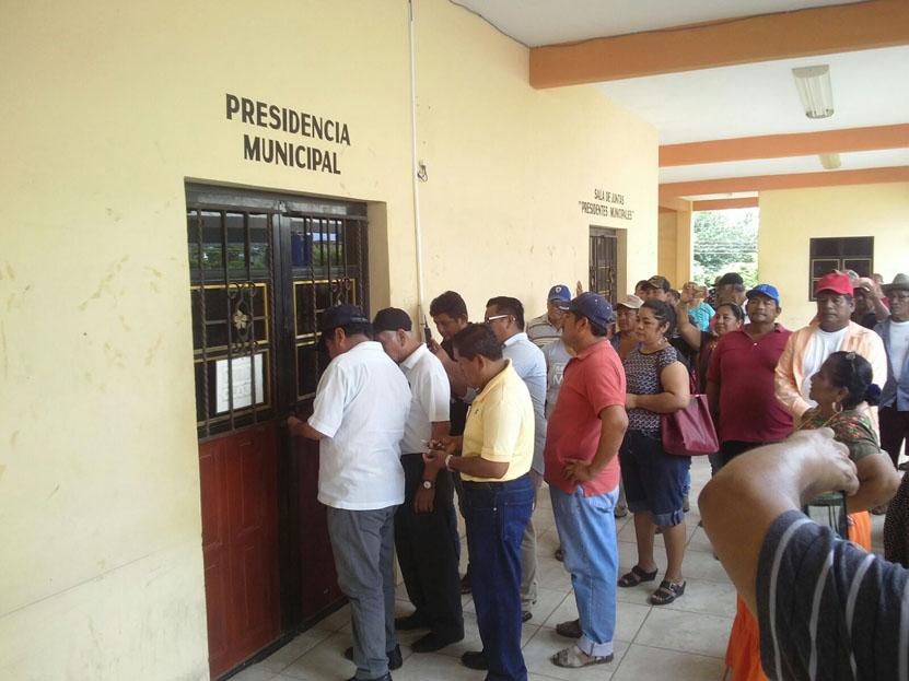 Autoridades de  Xadani toman  posesión del  palacio | El Imparcial de Oaxaca