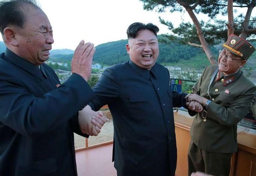 Corea del Norte presentó su provocador celular, un híbrido entre iPhone y Galaxy S8   El Imparcial de Oaxaca