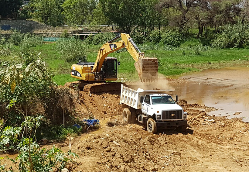Reinician desazolve de la presa Rompepicos   El Imparcial de Oaxaca