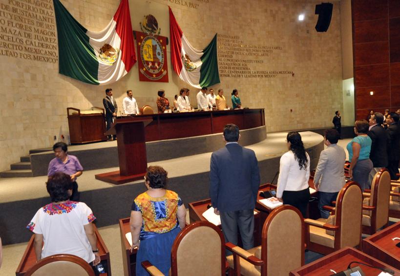 Urgen diputados instalar consejos municipales | El Imparcial de Oaxaca