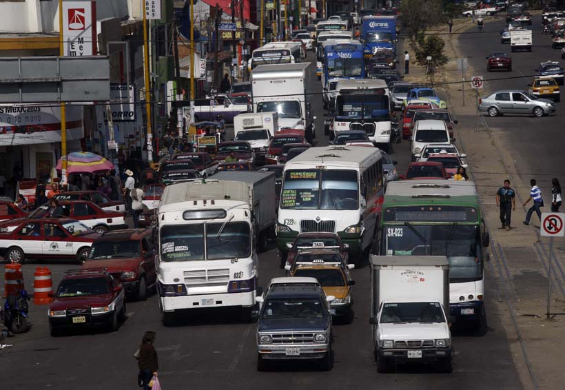 Oaxaca saturada de transporte público | El Imparcial de Oaxaca