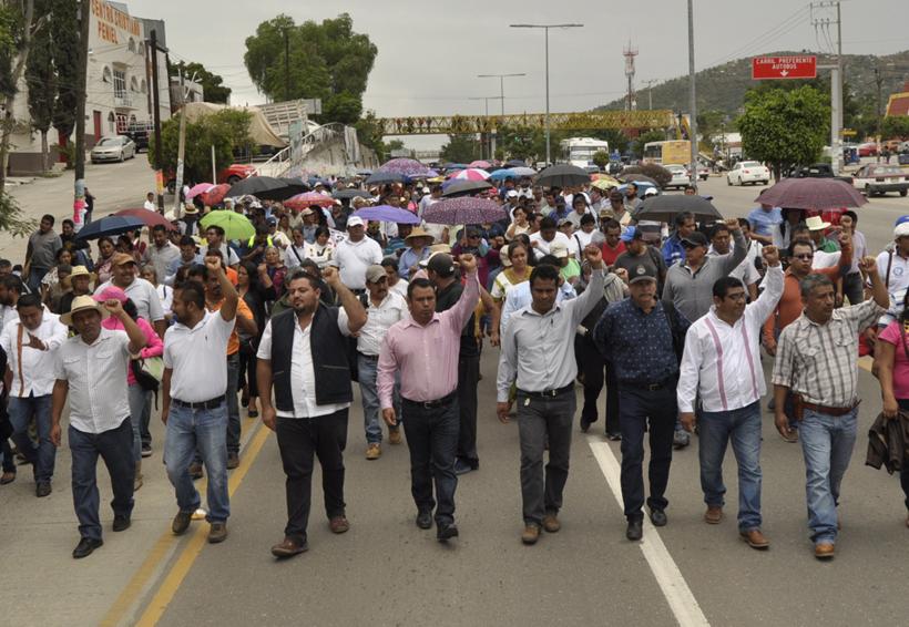 Sección 22 recuerda el frustrado desalojo   El Imparcial de Oaxaca