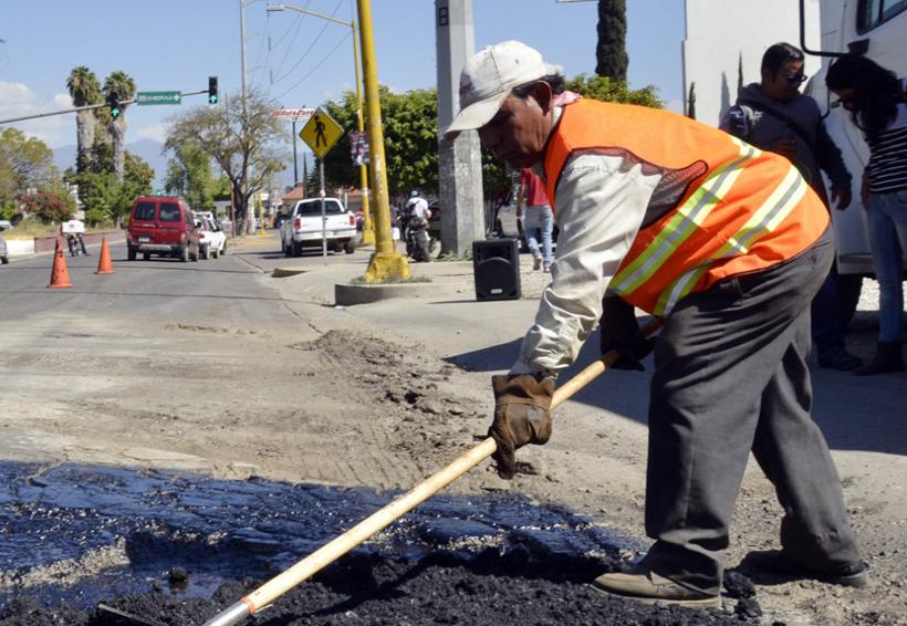 Invierten 18 mdp en programa de bacheos por festividades de Guelaguetza   El Imparcial de Oaxaca