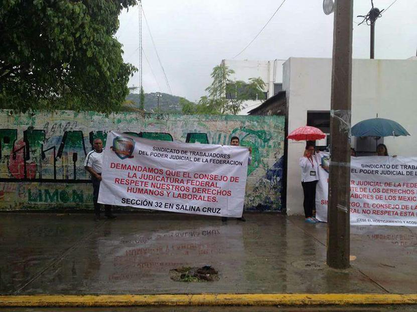 Los hacen trabajar hasta domingos sin goce de sueldo en Salina Cruz   El Imparcial de Oaxaca