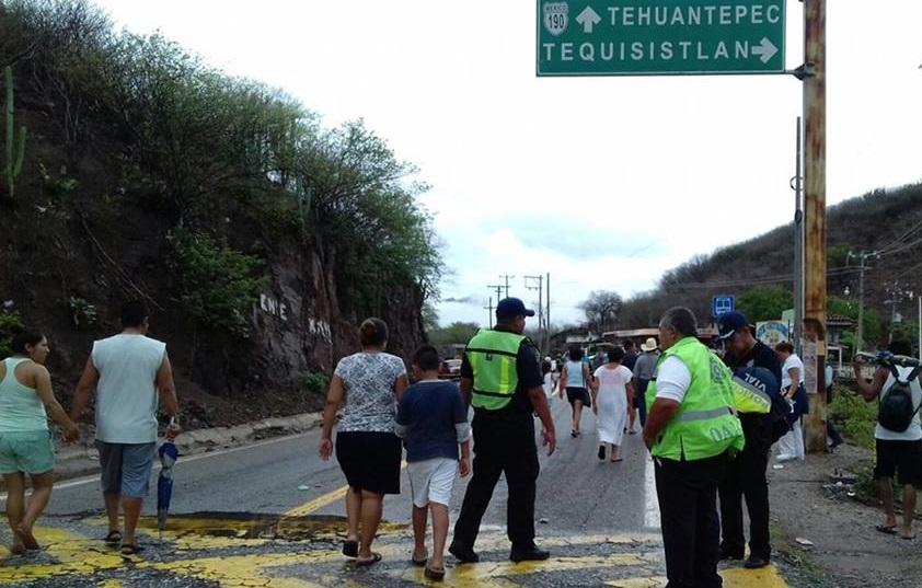 Puente Tequisistlán genera afectaciones a la Iniciativa Privada | El Imparcial de Oaxaca