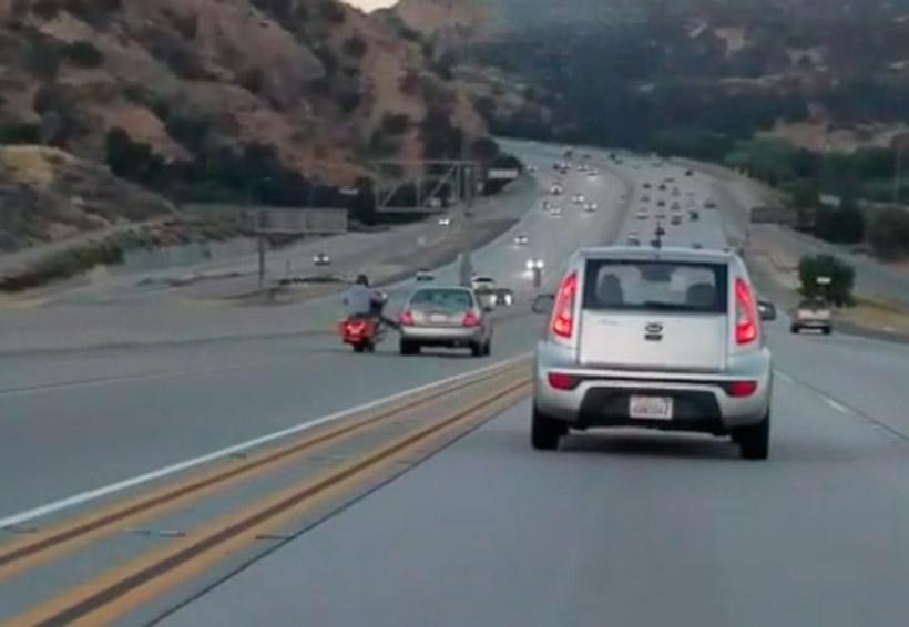 Video: Patea el auto en movimiento y provoca trágico accidente | El Imparcial de Oaxaca
