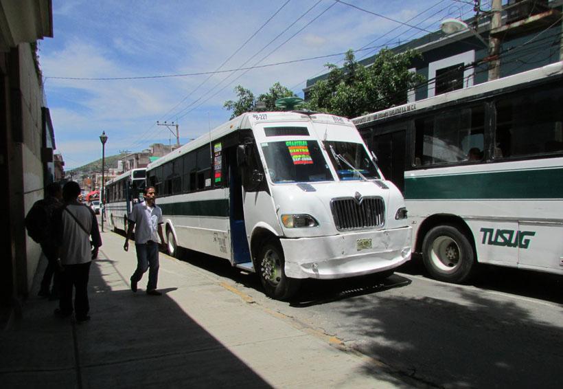 Usuarios del transporte protestan contra alza del pasaje en Oaxaca | El Imparcial de Oaxaca