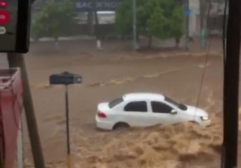Azota tromba en Puerto Escondido   El Imparcial de Oaxaca