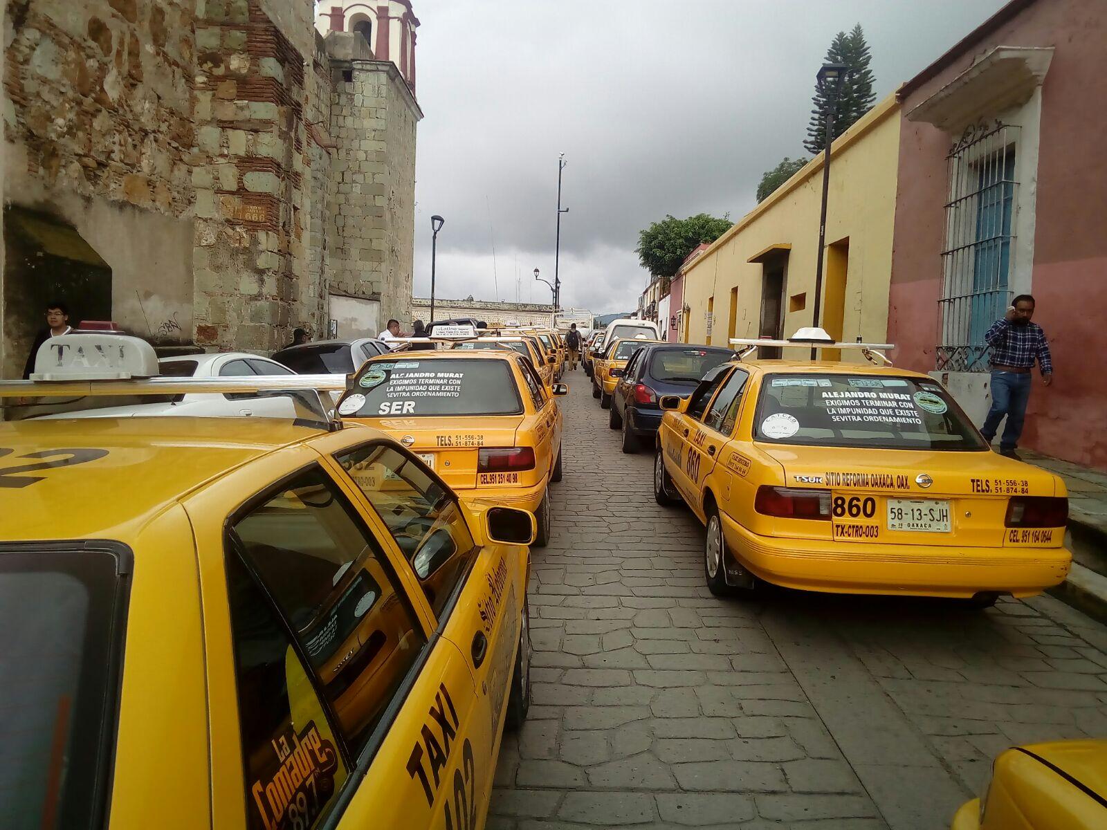 Taxistas de CATCEO paran labores en Oaxaca | El Imparcial de Oaxaca