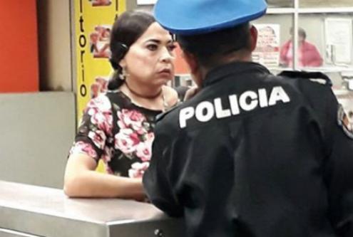 Detienen a hombre vestido de mujer que acosaba a pasajeras en el Metro | El Imparcial de Oaxaca