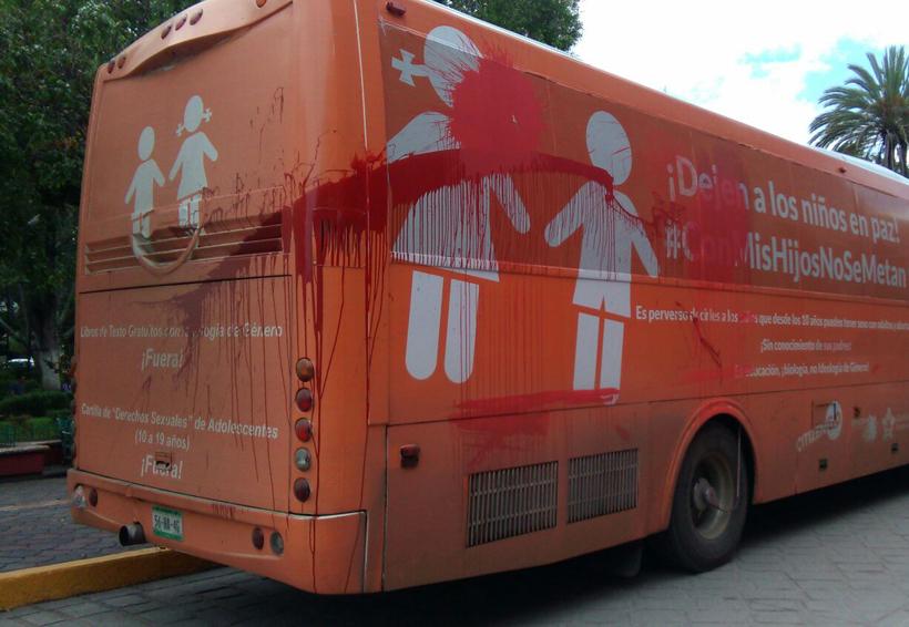 Vandalizan autobús que promueve valores de la familia en Oaxaca | El Imparcial de Oaxaca