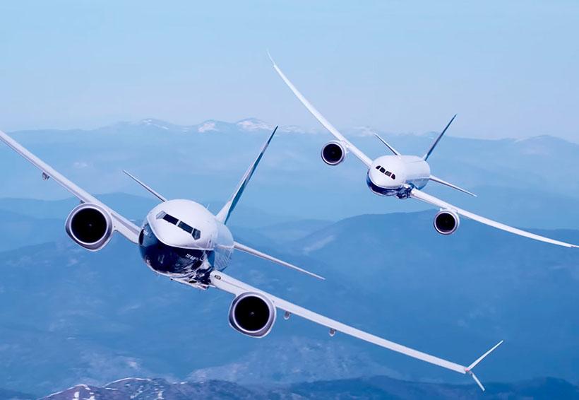 Boeing presume sus dos nuevos aviones en un espectacular vuelo sincronizado | El Imparcial de Oaxaca