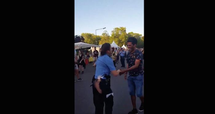 Video: Policía de Berlín baila salsa durante el Carnaval de las Culturas del Mundo | El Imparcial de Oaxaca