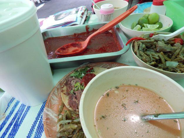 Delincuentes matan a vendedor de barbacoa; antes comieron tacos y consomé | El Imparcial de Oaxaca