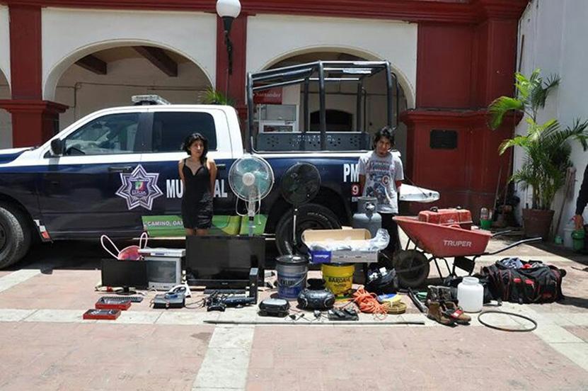 Vecinos apresan a pareja por robo y la  entregan a la policía en Santa Lucía del Camino | El Imparcial de Oaxaca