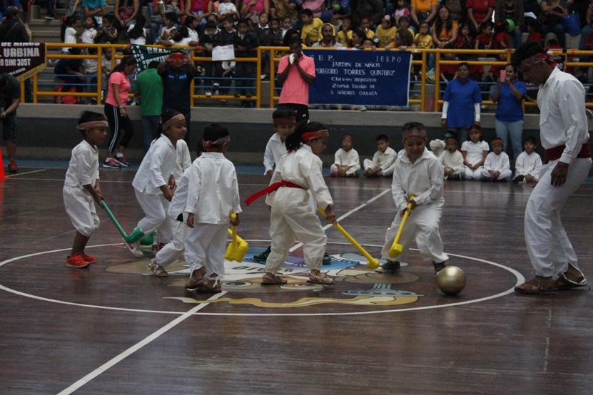 Enseñan tradiciones | El Imparcial de Oaxaca