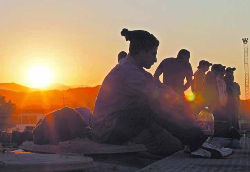 Otorgan asesorías sobre el tema de inmigrantes en la Cuenca   El Imparcial de Oaxaca