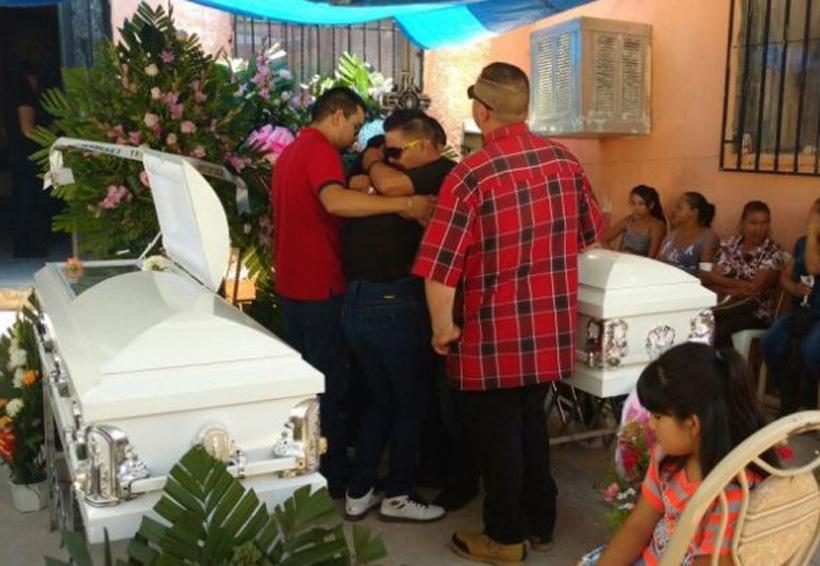 Le dan último adiós a las niñas atropelladas por ebrio | El Imparcial de Oaxaca