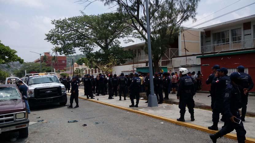 Restablece Seguridad Pública  Municipal y Estatal el orden en Salina Cruz | El Imparcial de Oaxaca