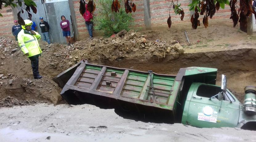 ¡Se lo tragó la tierra en San Antonio de la Cal ! | El Imparcial de Oaxaca